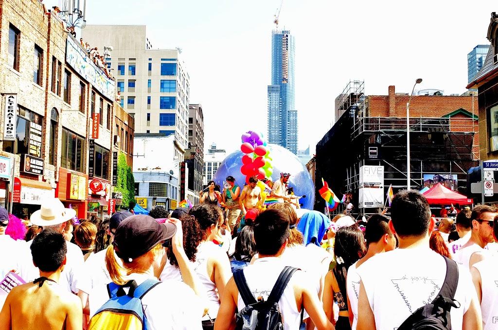 world_pride_parade_0628014_98